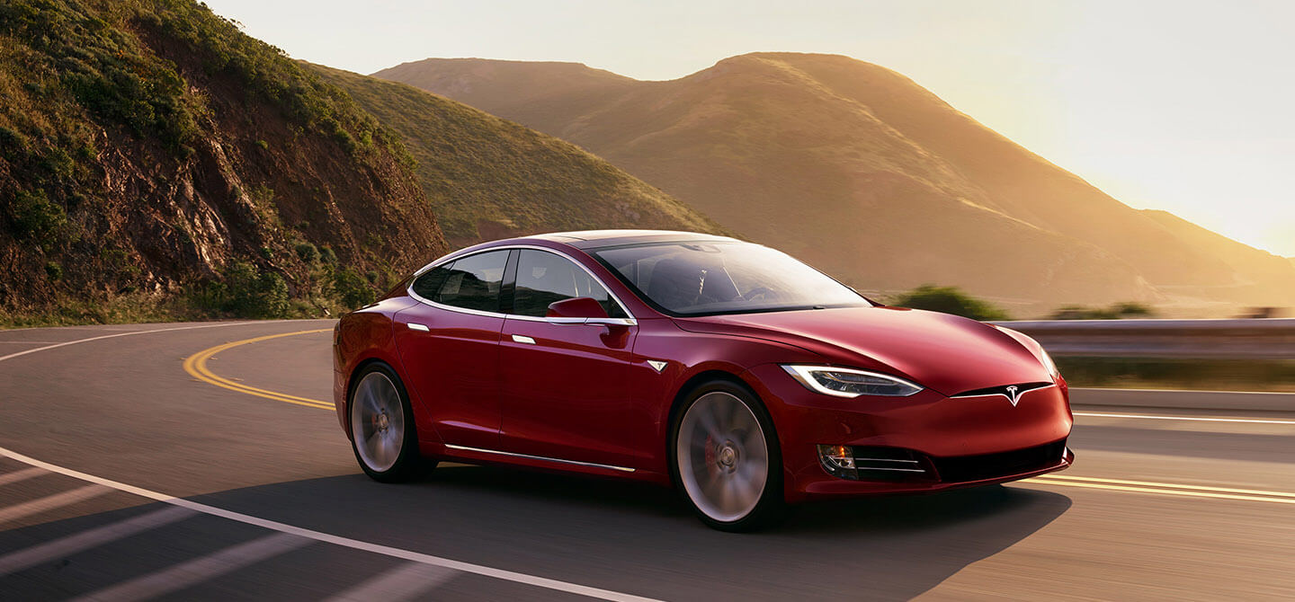 Tesla has opened a temporary electric car store in Puerto Banus